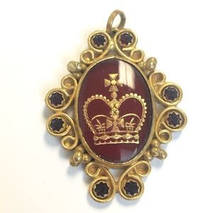Gold Tone Mexico ruby red crystal royal pendant